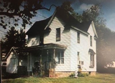 Oelwein IA Single Family Home For Sale: $11,900