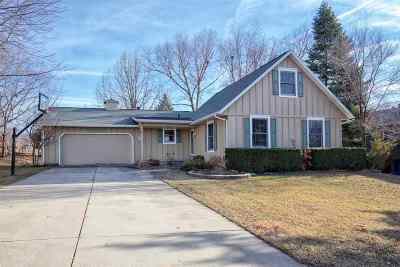 Cedar Falls Single Family Home For Sale: 856 Latham Place
