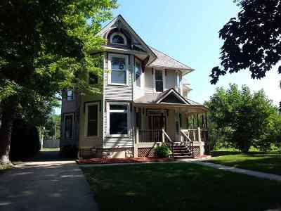 Manchester Single Family Home For Sale: 208 E Union Street