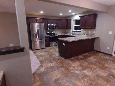 Waterloo Condo/Townhouse For Sale: 712 Grindstone Circle