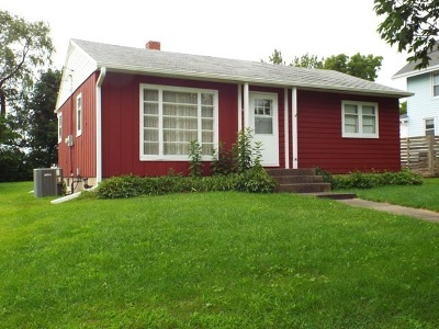 Strawberry Point IA Single Family Home For Sale: $69,000