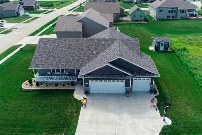 Cedar Falls Single Family Home For Sale: 5103 Kara Drive