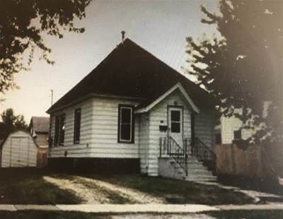 Oelwein IA Single Family Home For Sale: $39,900