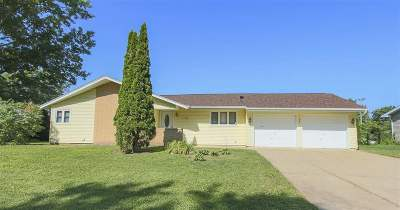 Cedar Falls IA Single Family Home For Sale: $195,000