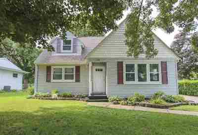 Cedar Falls IA Single Family Home For Sale: $179,900