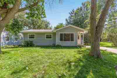 Cedar Falls Single Family Home For Sale: 1210 Higby Drive