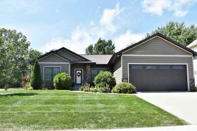 Cedar Falls IA Single Family Home For Sale: $264,900