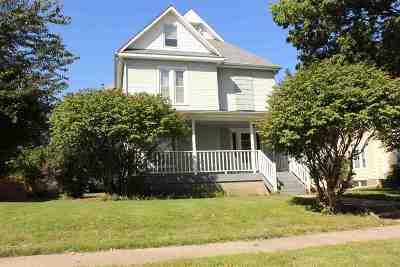 Cedar Falls IA Multi Family Home For Sale: $180,000