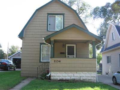 Waterloo Single Family Home For Sale: 1134 Hawthorne