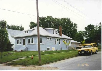 Oelwein IA Single Family Home For Sale: $63,000