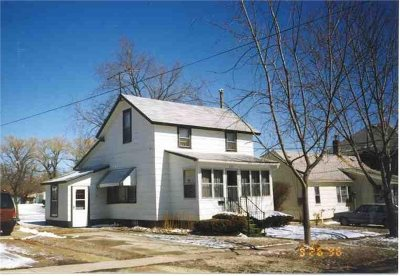 Oelwein IA Single Family Home For Sale: $34,900