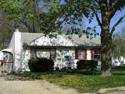 Waterloo Single Family Home For Sale: 1702 W 11th Street