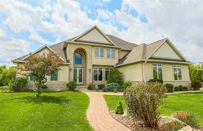 Cedar Falls Single Family Home For Sale: 223 Winding Ridge Road