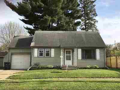 Waterloo Single Family Home For Sale: 620 Byron Avenue