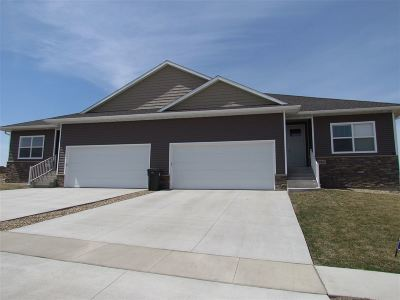 Cedar Falls Single Family Home For Sale: 4711 Ironwood Drive
