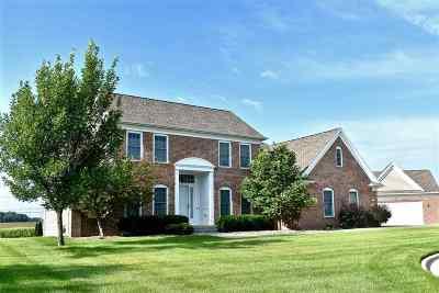 Cedar Falls Single Family Home For Sale: 4002 Alexis Boulevard