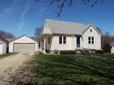 Strawberry Point IA Single Family Home For Sale: $94,900