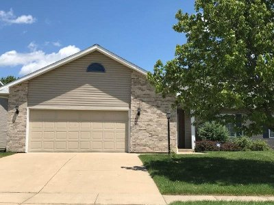 Cedar Falls Condo/Townhouse For Sale: 4228 Briarwood Drive