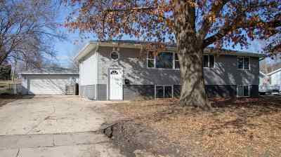 Cedar Falls Single Family Home For Sale: 1019 Higby