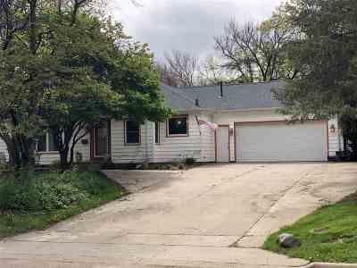 Cedar Falls Single Family Home For Sale: 2903 Cedar Heights