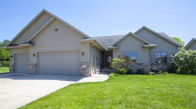 Cedar Falls Single Family Home For Sale: 1410 Brookside Drive