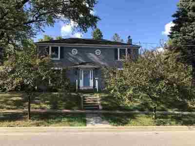 Cedar Falls Single Family Home For Sale: 309 W Seerley Boulevard