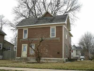 Waterloo Single Family Home For Sale: 210 Locust Street