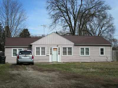 Waterloo Single Family Home For Sale: 1325 Magnolia Parkway