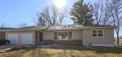 Waterloo Single Family Home For Sale: 2633 Orchard Street