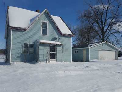 Oelwein IA Single Family Home For Sale: $29,900