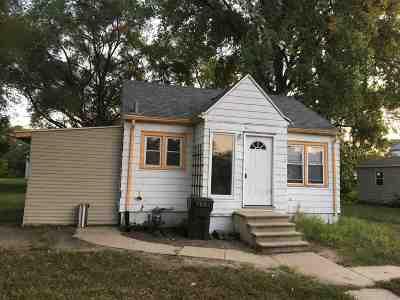 Waterloo Single Family Home For Sale: 117 Oneida Street