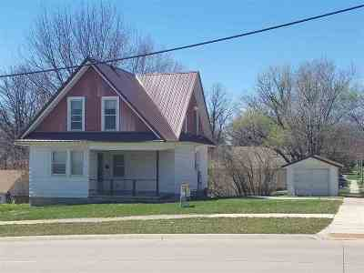 Cedar Falls Single Family Home For Sale: 1303 College Street