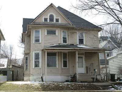 Waterloo Single Family Home For Sale: 725 W 8th Street