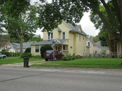 Cedar Falls IA Multi Family Home For Sale: $139,900