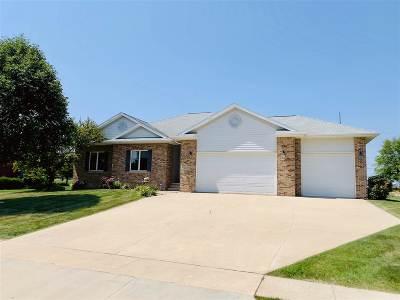 Cedar Falls Single Family Home For Sale: 4028 Pheasant Drive