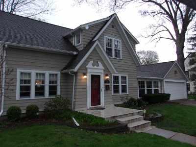 Waterloo Single Family Home For Sale: 142 Graceline Boulevard