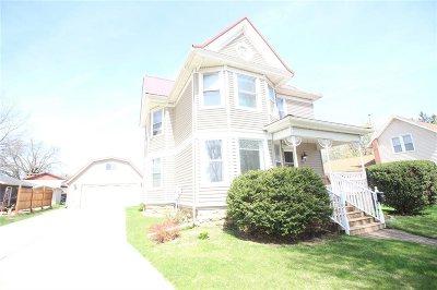 Laporte City Single Family Home For Sale: 613 Locust Street