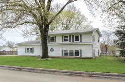 Waterloo Single Family Home For Sale: 1327 South Hill