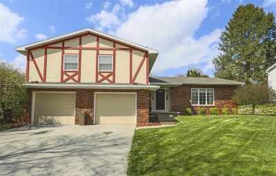Cedar Falls Single Family Home For Sale: 1410 Laurel Circle