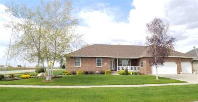 Manchester IA Single Family Home For Sale: $269,000