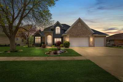Cedar Falls Single Family Home For Sale: 3925 Briarwood