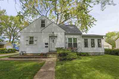Waterloo Single Family Home For Sale: 1444 W 11th Street