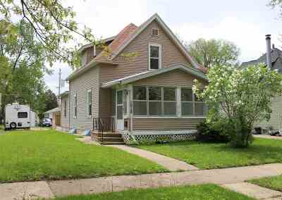 Waterloo Single Family Home For Sale: 1018 Bertch Avenue