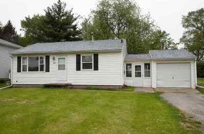 Cedar Falls Single Family Home For Sale: 627 Clair Street