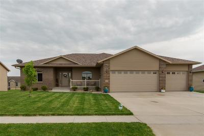 Cedar Falls Single Family Home For Sale: 1900 Vera Way