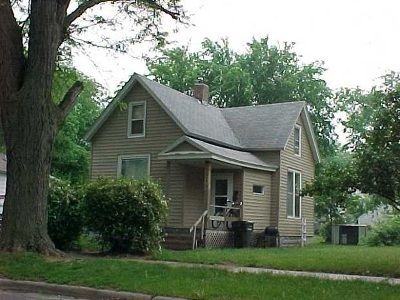 Waterloo Single Family Home For Sale: 643 Kern Street