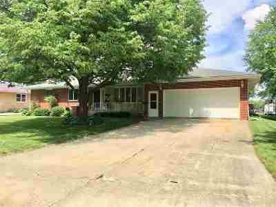 Laporte City Single Family Home For Sale: 401 W Main Street