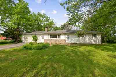 Cedar Falls Single Family Home For Sale: 5737 Waverly Road