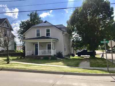 Strawberry Point Single Family Home For Sale: 123 Elkader Street