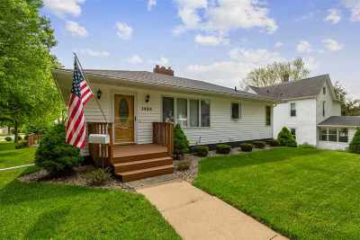 Cedar Falls Single Family Home For Sale: 1404 Washington Street